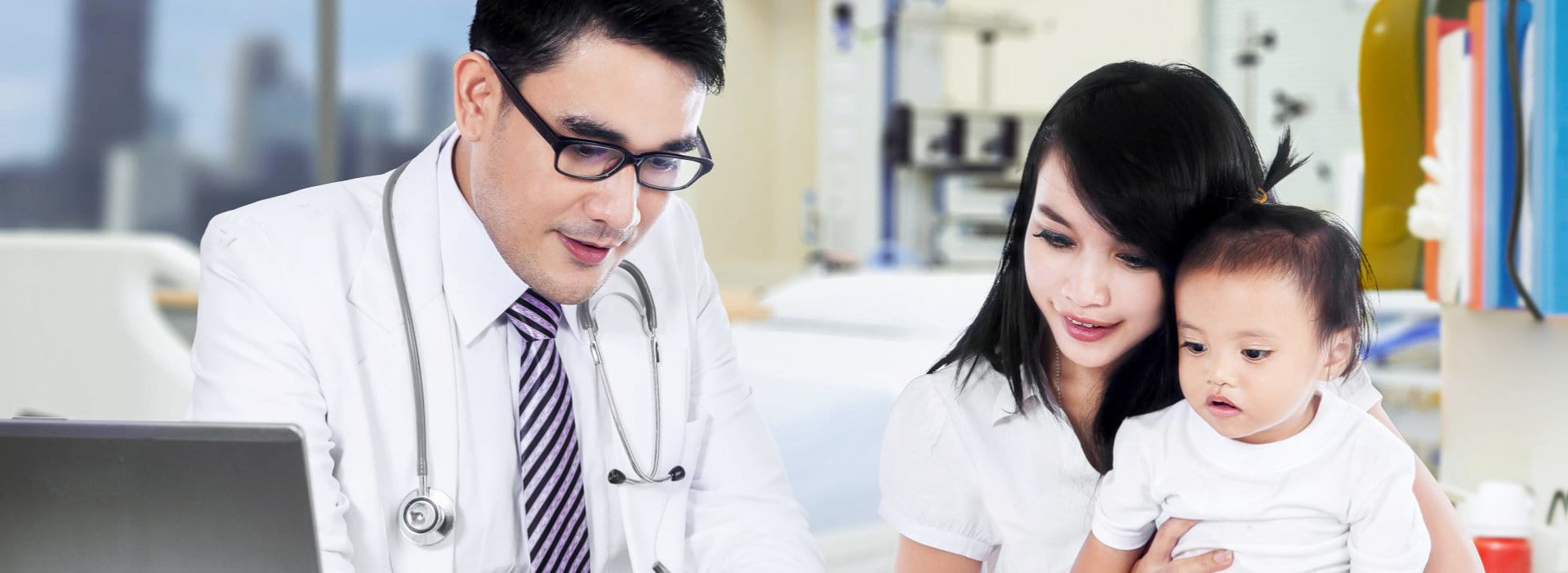 doctor talking to young mother